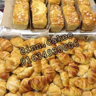 Bánh mỳ Hoa Cúc và Bánh sừng bò trứng muối của ngocin95 tại 01634930006, Hà Nội - 2066156