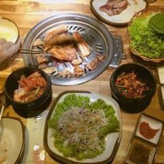 Đồ nướng hàn quốc của Minh Hằng tại Gogi House - Phạm Ngọc Thạch - 2347775