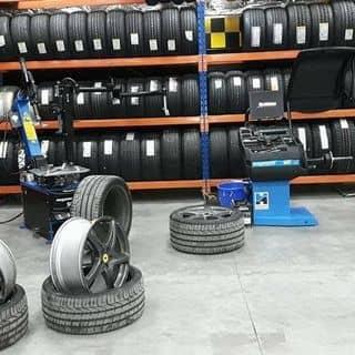 Lốp,lazzang,ắc quy,phanh,dầu. của kenny2277193 tại Hà Nội - 2823530