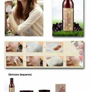 TẨY DA CHẾT INNISFREE WINE PEELING JELLY SOFTENER của shinlu2027 tại Hà Nội - 933548