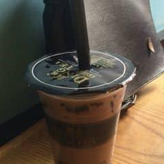 Mình nghiện trà sữa nên đi thử hầu như tất cả các quán từ bình dân đến sang chảnh và Ding tea là nơi mình thích nhất. Đặc biệt là trà sữa no và trà sữa chanh leo 💋💋💋