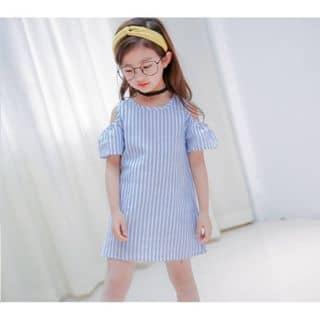 Váy sọc thô hở vai của lee.zuha tại Hà Nội - 3133358